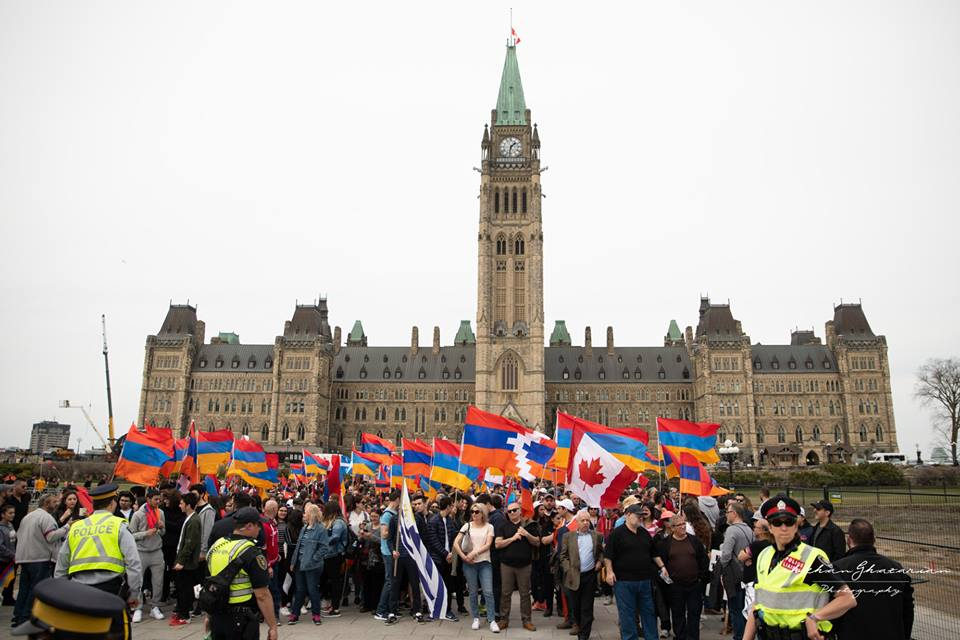 Thousands Canadian Armenians Rally In Ottawa To Commemorate